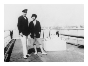 004---Gabrielle-Chanel-and-the-Duc-of-Westminster-on-his-yacht-The-Flying-Cloud-in-1928-®CHANEL---Collection-Denise-Tua