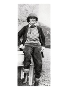 005---Gabrielle-Chanel-in-Scotland-wearing-sportswear-in-1931-®Photo-D.R.