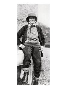 005---Gabrielle-Chanel-in-Scotland-wearing-sportswear-in-1931-®Photo-D.R.
